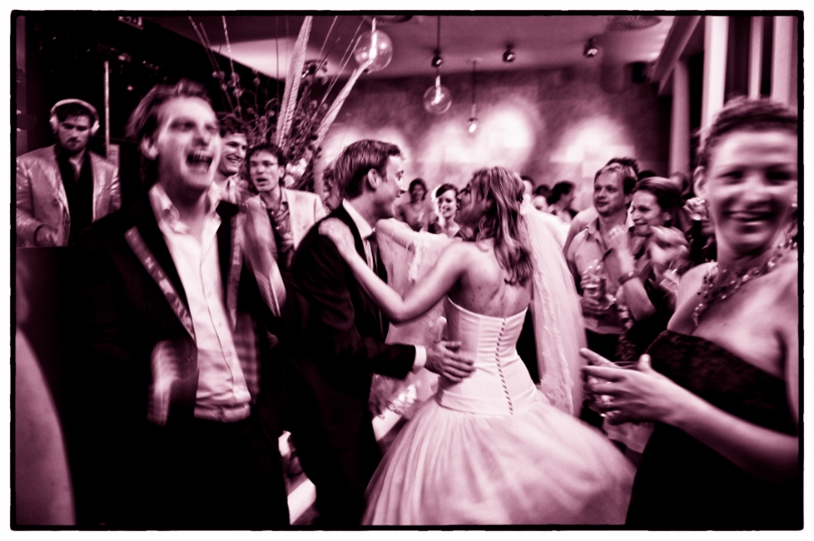 De feest barst los! Trouwfotograaf Cyrille Maratray - www.foto-n-go.com